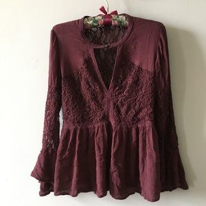 American Eagle lace top size Medium
